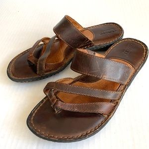 BORN | Leather Sandals
